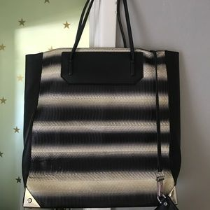 ✨Alexander wang leather snakeskin totebag w/ pouch